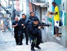 """Carlos Vainer: """"Estamos asistiendo a una política de ocupación militar de los barrios populares"""""""