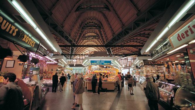 ¿Mercados, museos o malls? La gentrificación de los mercados municipales en Barcelona y Madrid